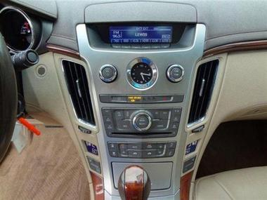 سياره 2010 Cadillac CTS Sedan Luxury للبيع