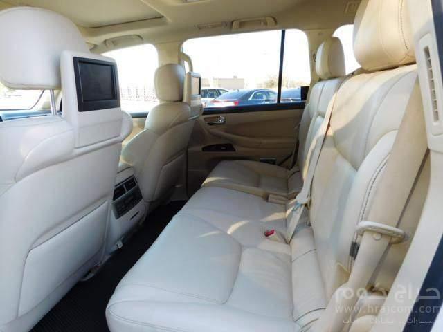 لكزس لي 570 2014 نموذج، 7 مقاعد